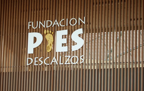F. PIES DESCALZOS